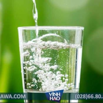 Phân biệt nước khoáng, nước suối và nước tinh khiết